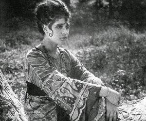 Tina Modotti image