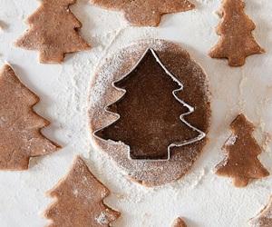 aesthetic, baking, and christmas image