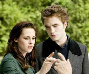 twilight, new moon, and bella swan image