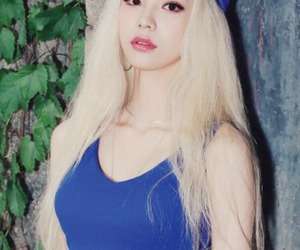kpop, kpop wallpaper, and jinsoul image