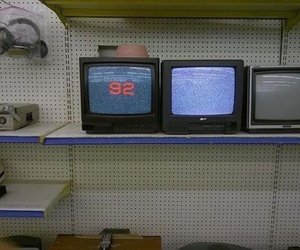 tv, grunge, and 90s image