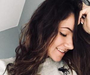 brunette, nie, and winna image