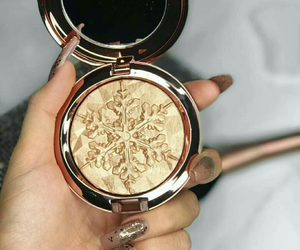 gold, beauty, and makeup image