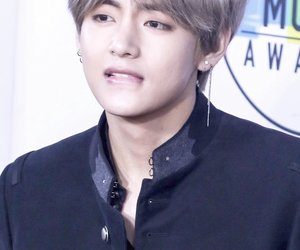 k-pop, kpop, and taehyung image
