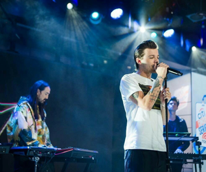 steve aoki, just hold on, and louis tomlinson image