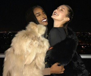 girl, friends, and bella hadid image