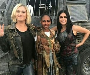 marie avgeropoulos, clarke griffin, and the 100 image