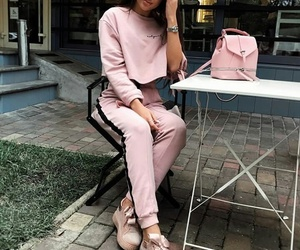 bags, chic, and pink image