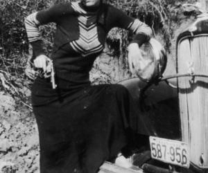 gun and bonnie parker image