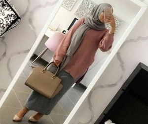 hijab fashion and selfie image