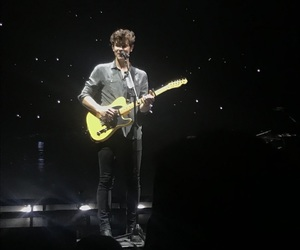 tour, shawn mendes, and illuminate image