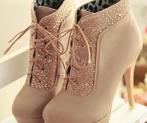 lindos, tacones, and zapatos image