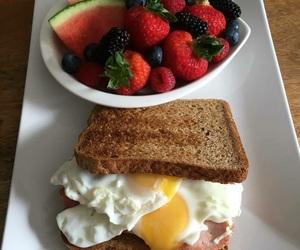 fruta, sandwich, and desayuno image