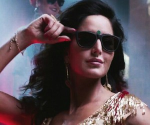 bollywood, dance, and sari image
