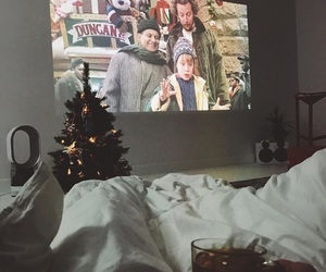 christmas, home alone, and winter image