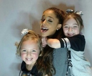 fans, cute, and honeymoon tour image