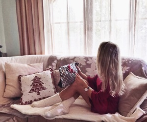 cozy, tumblr girl, and december image