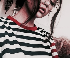 theme and maggie lindemann image