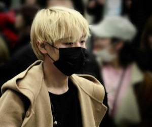 blond, blurry, and jihoon image