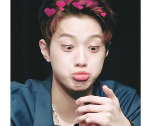 minee and guanlin image