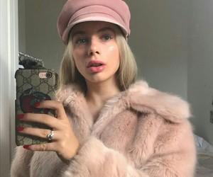 pink, joanna kuchta, and icon image
