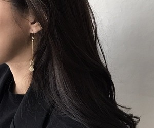 earrings, aesthetic, and hair image
