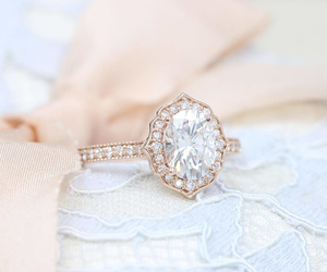 accessories and ring image