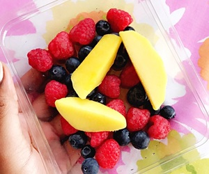 berries, breakfast, and FRUiTS image