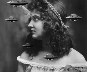 acid, alien, and vintage image