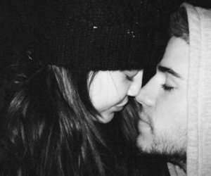 couple, love, and miley cyrus image
