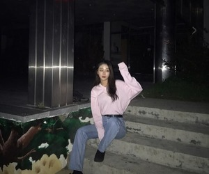 loona, yves, and kpop image