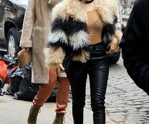 kourtney kardashian and kylie jenner image