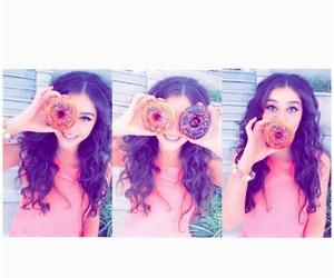 girl, donuts, and بُنَاتّ image
