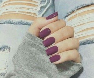 chic, cool, and uñas image