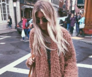 aesthetic, outfit ideas, and fuzzy sweaters image