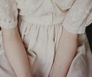 dress, vintage, and pale image