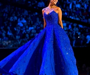 dress and miss universe image