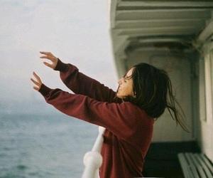girl, vintage, and sea image