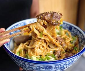 beef, bowl, and chinese food image