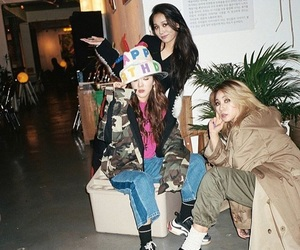 2ne1, harin lee, and CL image