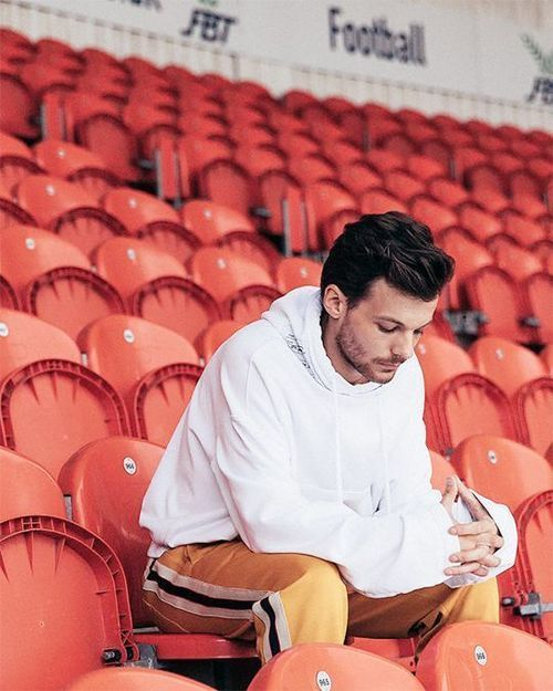louis tomlinson, back to you, and just like you image