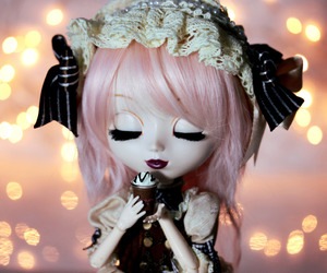 dolls, moon, and pullip image