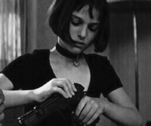 leon, gun, and natalie portman image