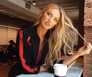 romee strijd, model, and Victoria's Secret image