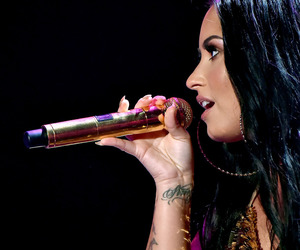 demi lovato, 2017, and performance image