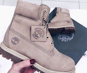 fashion, timberlands, and snow image