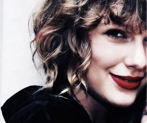beauty, famous, and Taylor Swift image