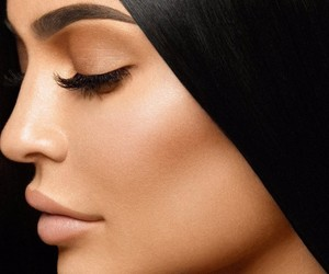 kylie jenner, king kylie, and kkw beauty image