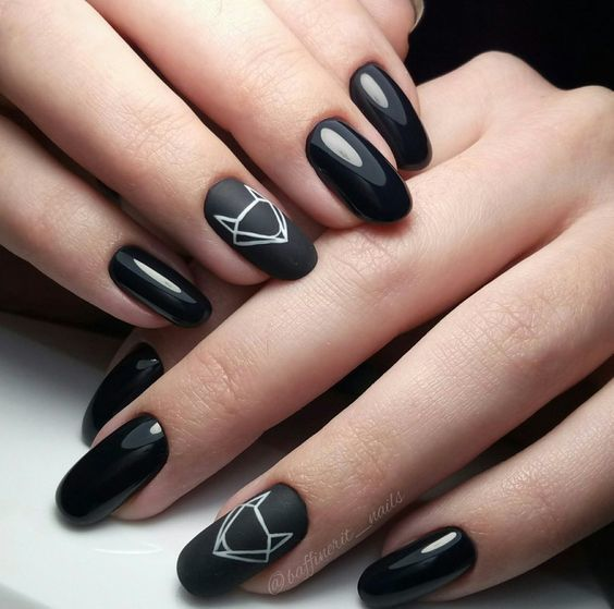 Uñas Negras Discovered By Yessenia On We Heart It
