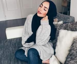 hijab, style, and makeup image